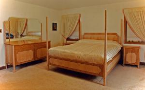 Bedroom Set by Design in Wood, Andrew Jacobson, Petaluma, Ca